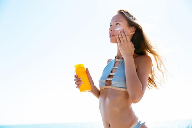 """Dermatoloog dr Kadi Ristal selgitab """"Mida tähendab SPF (Sun Protection Factor) ja kuidas seda õigesti kasutada?"""""""